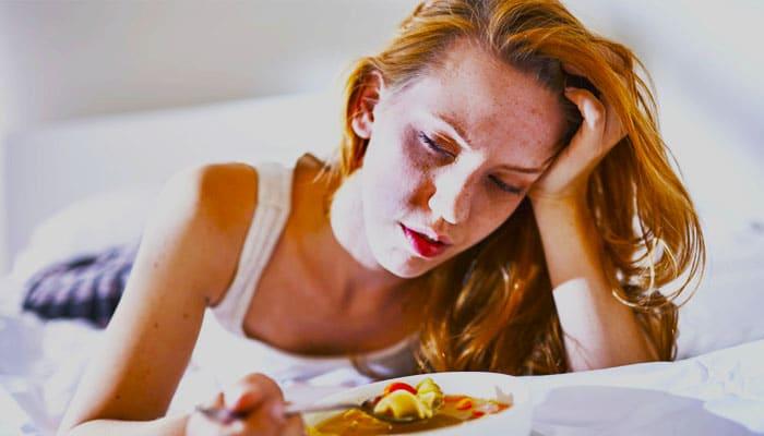 soñar con comida rancia